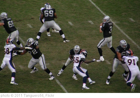 'Carson Palmer in Pocket' photo (c) 2011, Tanguero56 - license: http://creativecommons.org/licenses/by-sa/2.0/