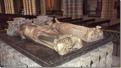 Sepulcro de Carlos III - Catedral - Pamplona