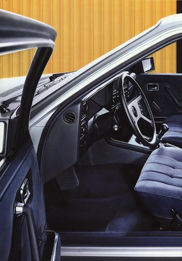 Opel_Monza_1984 (9).jpg