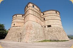 Marche_Sassocorvaro_Mini-castle