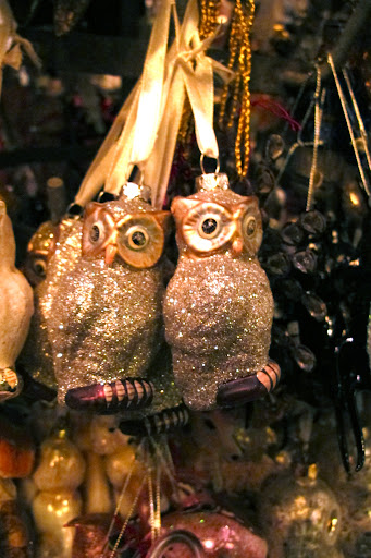 I think these tiny glittered owls are incredible; so exquisite.