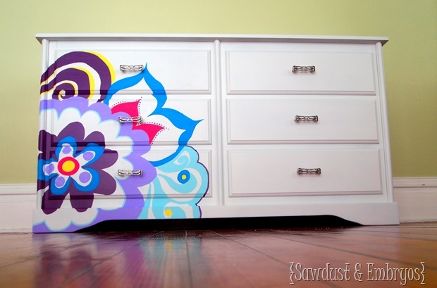 Paint using an Overhead Projector {Sawdust and Embryos}
