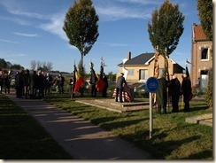 Inhuldiging van het monument ter nagedachtenis van een gesneuvelde Amerikaanse piloot tijdens W.O.II