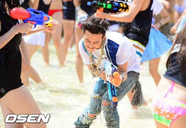 G-Dragon - Hite - 2014 - Ocean World - 04jul2014 - Press - Osen - 06.jpg