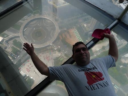 Imagini China: plutind deasupra Shanghai-ului
