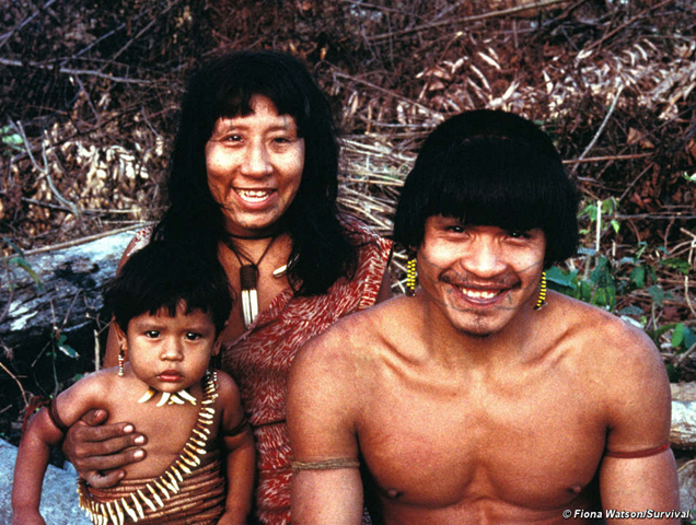 The Uru-eu-Wau-Wau are one of the tribes who are affected by the Madeira River dams in Brazil. © Fiona Watson / survivalinternational.org