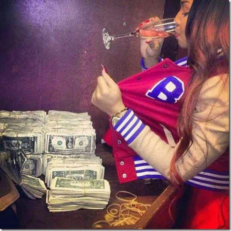 strippers-money-025