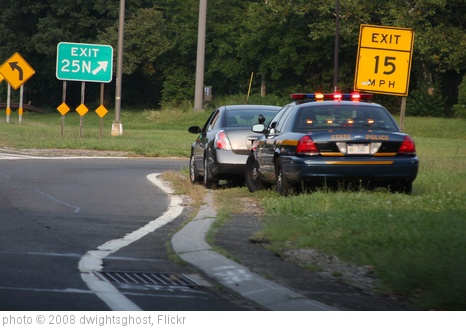 'New York State Police Traffic Stop' photo (c) 2008, dwightsghost - license: http://creativecommons.org/licenses/by/2.0/
