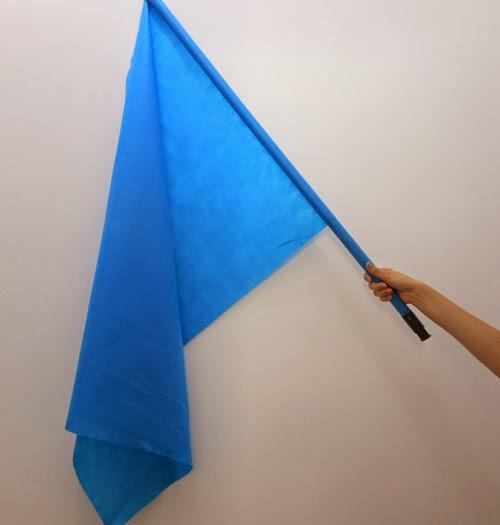 como-fazer-bandeira-brasil-cabo-vassoura-copa-mundo-8.jpg
