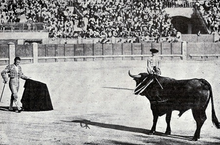 1904-07-03 Bienvenida en Madrid. Citando al natural 001