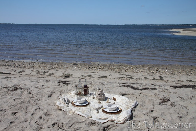 table at beach0103