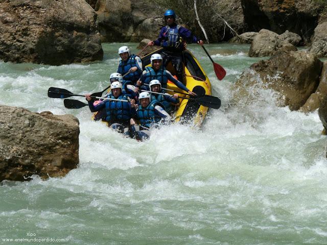 rocas-y-rapidos-rio-gallego.jpg