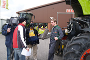 tractor-tour2-x181y120.jpg,bpSite=62758,property=data.jpg