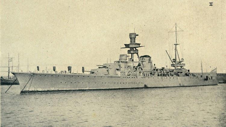 El crucero ALMIRANTE BROWN en Barcelona. Foto de la revista Iberica. Edición de 29 de agosto de 1931. Foto Branguli.jpg