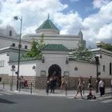 Islamophobie et racisme : La Grande Mosquée de Paris vandalisée