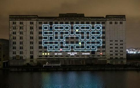Increíble proyección del Pac-Man más grande del mundo