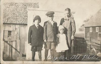 Raynolds children DL Antiques