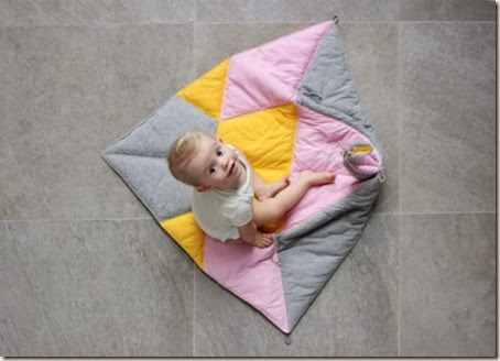 multifunctional-and-transformable-the-play-fold-bird-blanket-for-your-baby-7-524x377