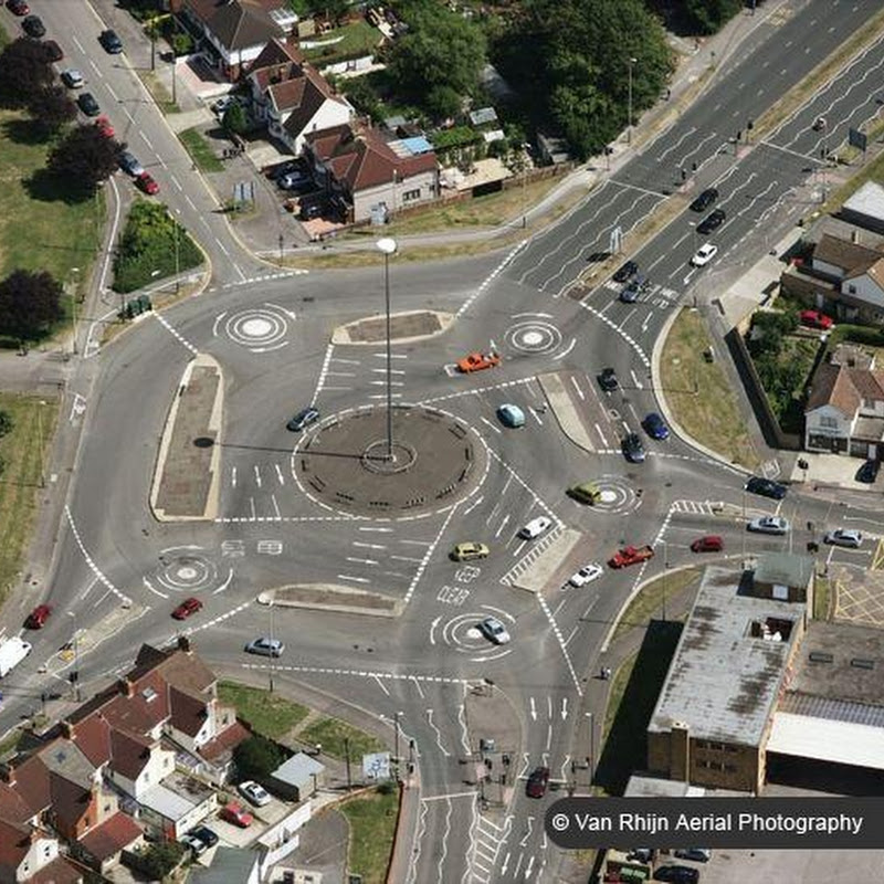 Magic Roundabout in Swindon: The Most Confusing Traffic Junction