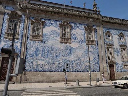 04. Biserica cu faianta albastra.JPG