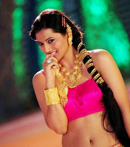 Isha Chawla Latest Navel Show ( 13  Stills)