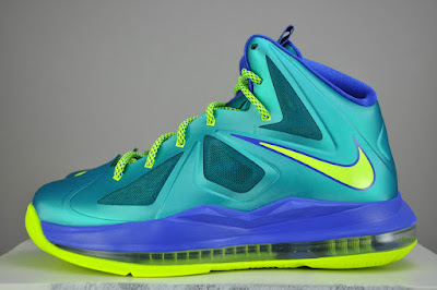 nike lebron 10 gs sport turquoise 1 04 Kids Get Regular LeBron Xs instead of Elites for the Turquoise Look