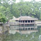 Minh Mangs kongegrav i flot idyllisk landskab