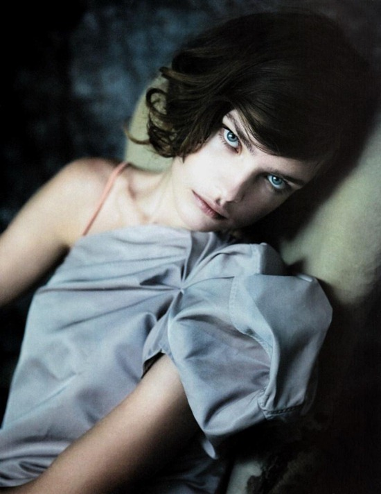 natalia-vodianova-vogue-china-editorial-may-2010-4