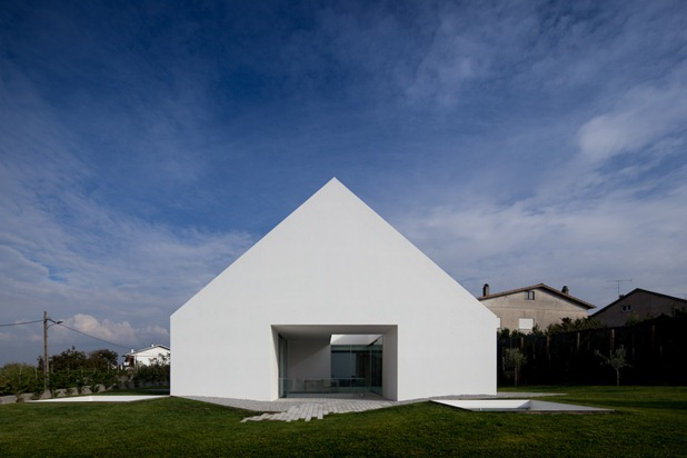 house in leiria by aires mateus 5