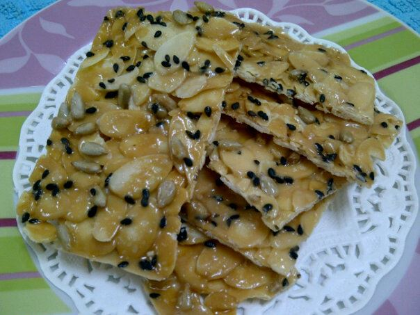 Ayda no seikatsu florentine cookies a k a krunchy karamel almond