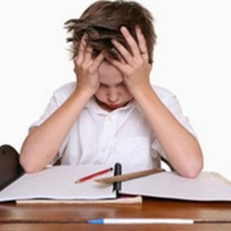 آلام خادعة و قلق يوم الامتحان !! كيف تتغلب على خوف الامتحانات ؟