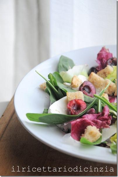 insalata con ciliegie e primo sale, con condimento balsamico o alla senape