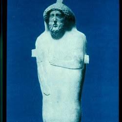 50 - Sarcofago antropoide fenicio de Cadiz