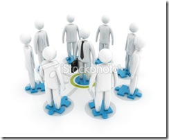 istockphoto_13551209-teamwork-with-puzzle