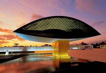oscar-niemeyer-died-e1354790489309