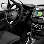 2013-Renault-Clio-4-Interior-5.jpg
