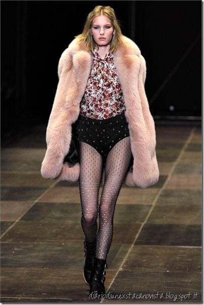 Sfilata Saint Laurent Paris - Collezioni Autunno Inverno 2013-14 - fur