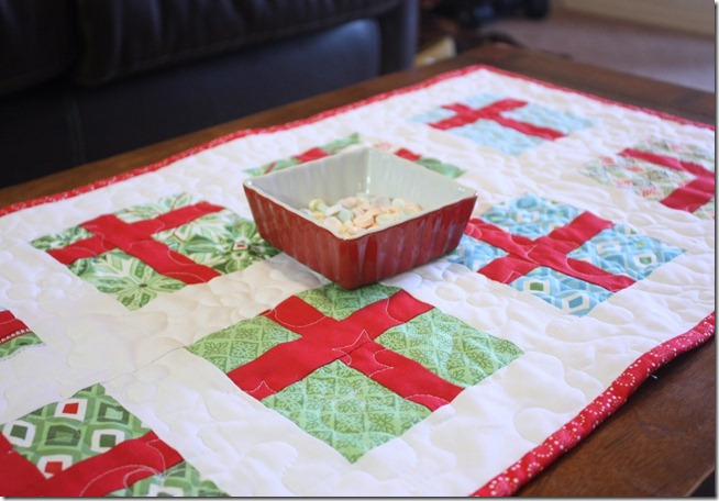 Simple Gifts Christmas Runner Display