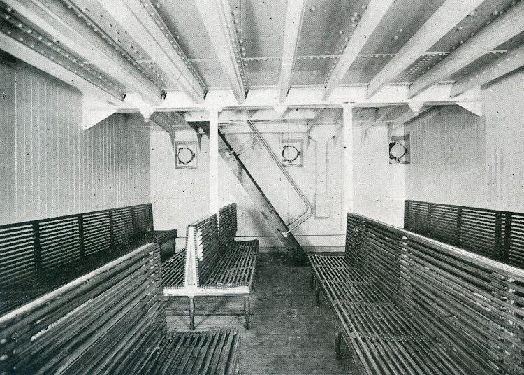 Camara de 2ª Clase. Foto de la revista INGENIERIA NAVAL. Septiembre de 1931.jpg
