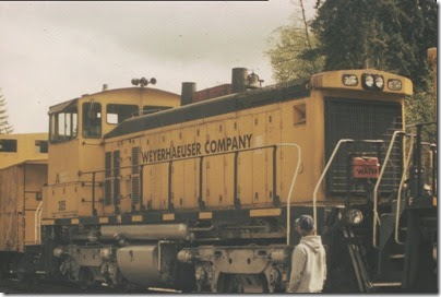 56154116-30 Weyerhaeuser Woods Railroad (WTCX) SW1500 #305 at Headquarters, Washington on May 17, 2005