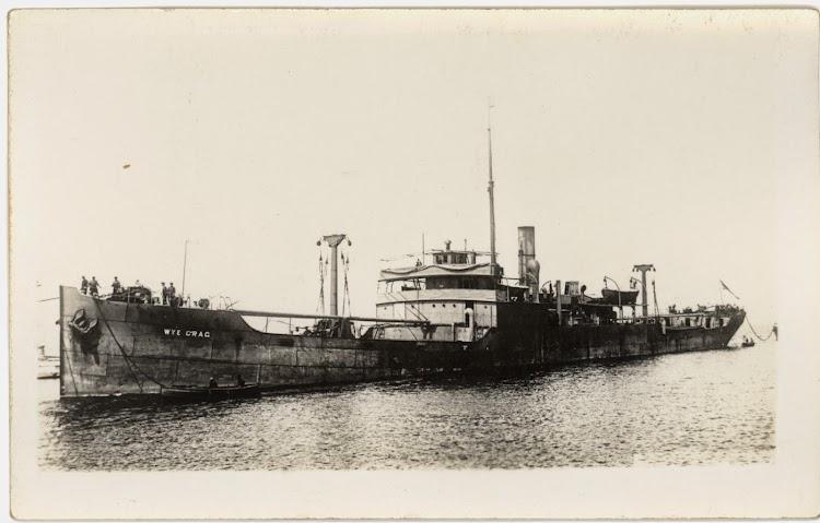 El vapor WYE CRAG. Lugar y fecha indeterminados. Foto State Library of New South Wales.jpg