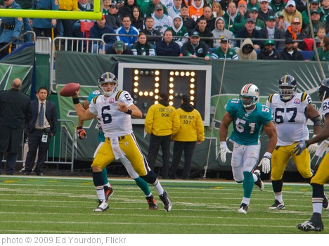 'Jets-Dolphin game, Nov 2009 - 083' photo (c) 2009, Ed Yourdon - license: http://creativecommons.org/licenses/by-sa/2.0/