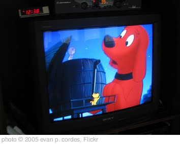 'watching clifford, the big red dog' photo (c) 2005, evan p. cordes - license: http://creativecommons.org/licenses/by/2.0/