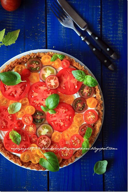 Tarta na krakersach z serkiem z twarożkiem i pomidorami (2)