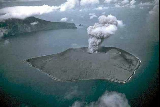 La erupción del volcán Krakatoa