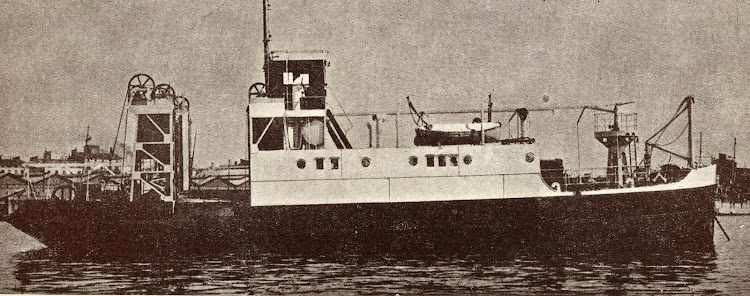 El transbordador FRANCISCO MONTENEGRO. Del Libro LA UNION NAVAL DE LEVANTE. 1924-1949.jpg
