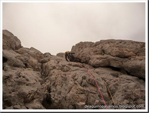 Via Directa de Los Martinez 250m D- V- (Picu Urriellu, Picos de Europa) (Omar) 0870
