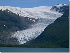 800px-Glacier_svartisen_engabreen