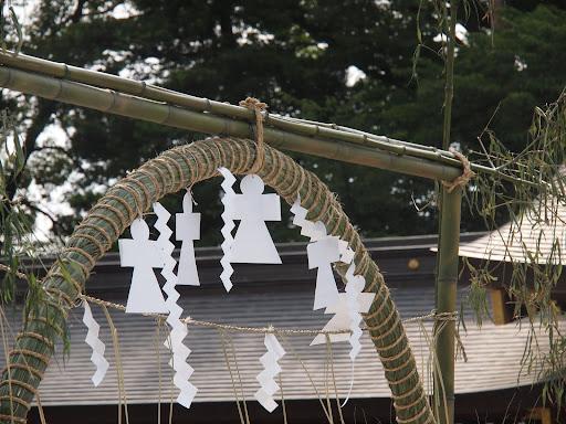[写真]茅の輪潜りの「茅の輪」
