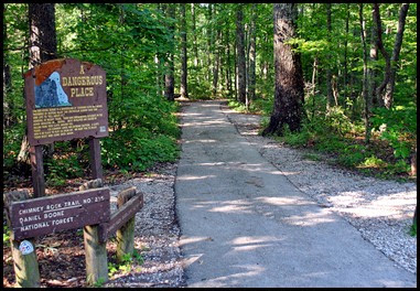 02b - Chimney Top Trailhead - .25 miles
